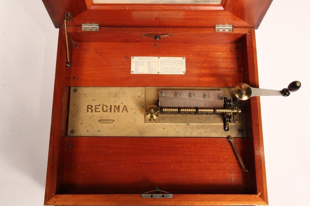 REGINA MUSIC BOX - 15 1/2-inch Disc Mahogany Cased - 2