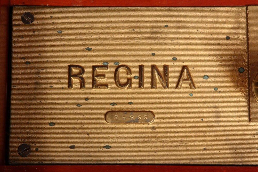 REGINA MUSIC BOX - 15 1/2-inch Disc Mahogany Cased - 3
