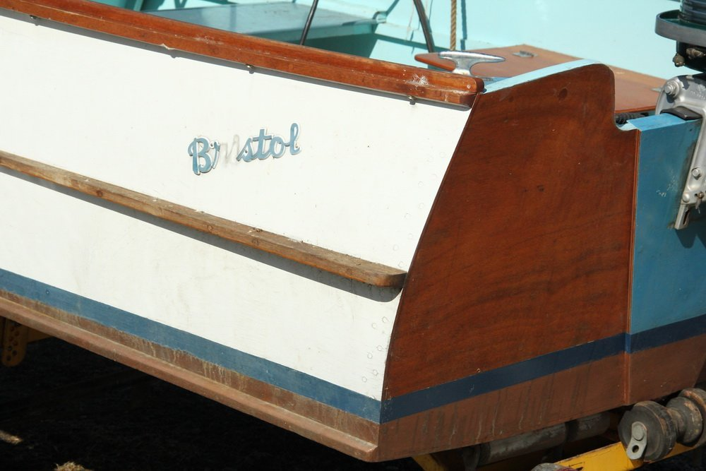 16 FOOT BRISTOL RUNABOUT - Boat, Motor and Trailer, all - 5