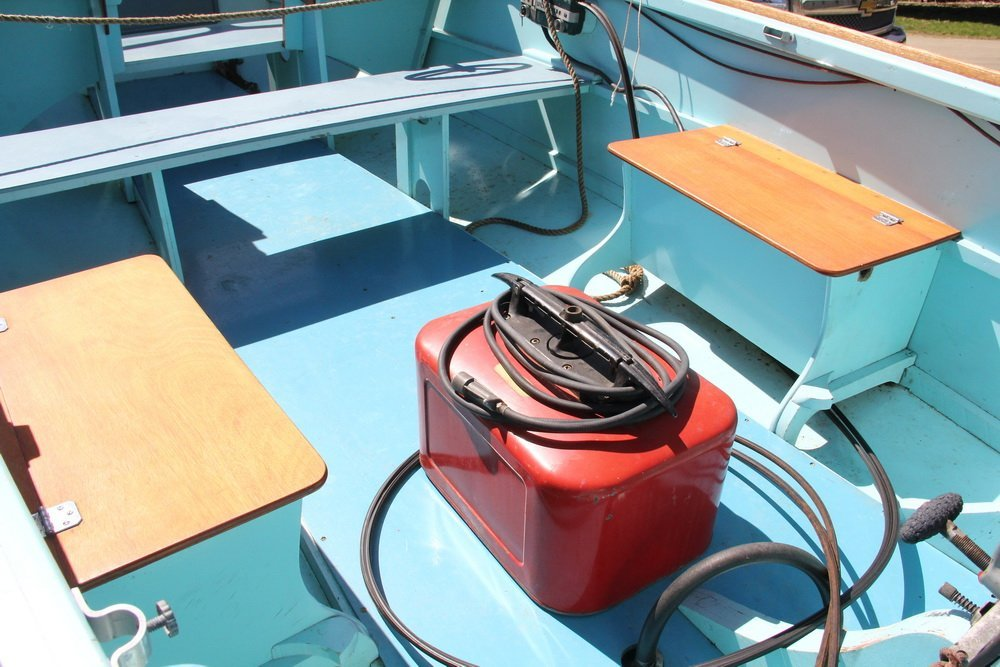 16 FOOT BRISTOL RUNABOUT - Boat, Motor and Trailer, all - 7