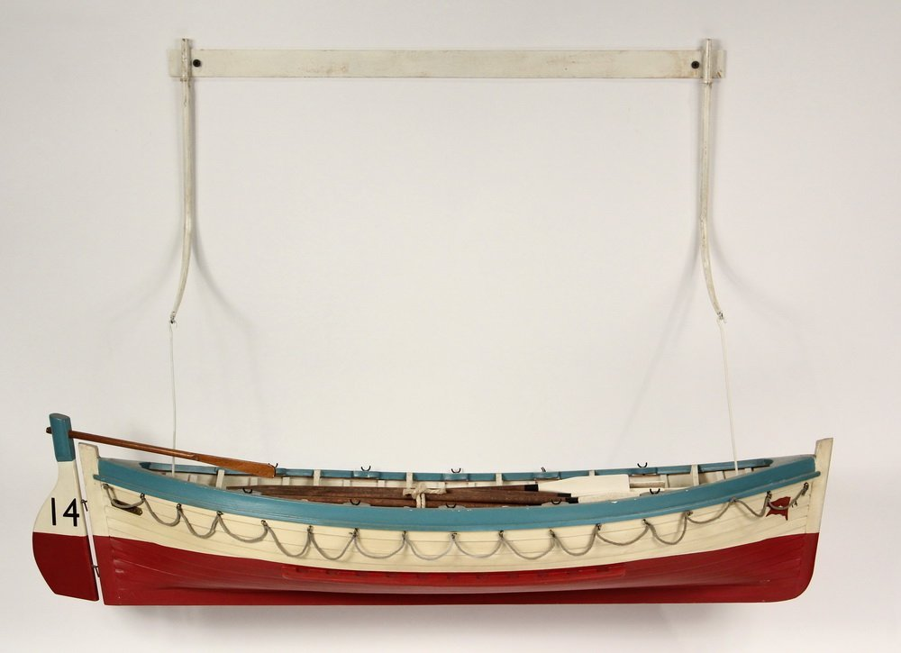 BOAT MODEL - 'Titanic' Lifeboat Sloop, stocked with a - 2