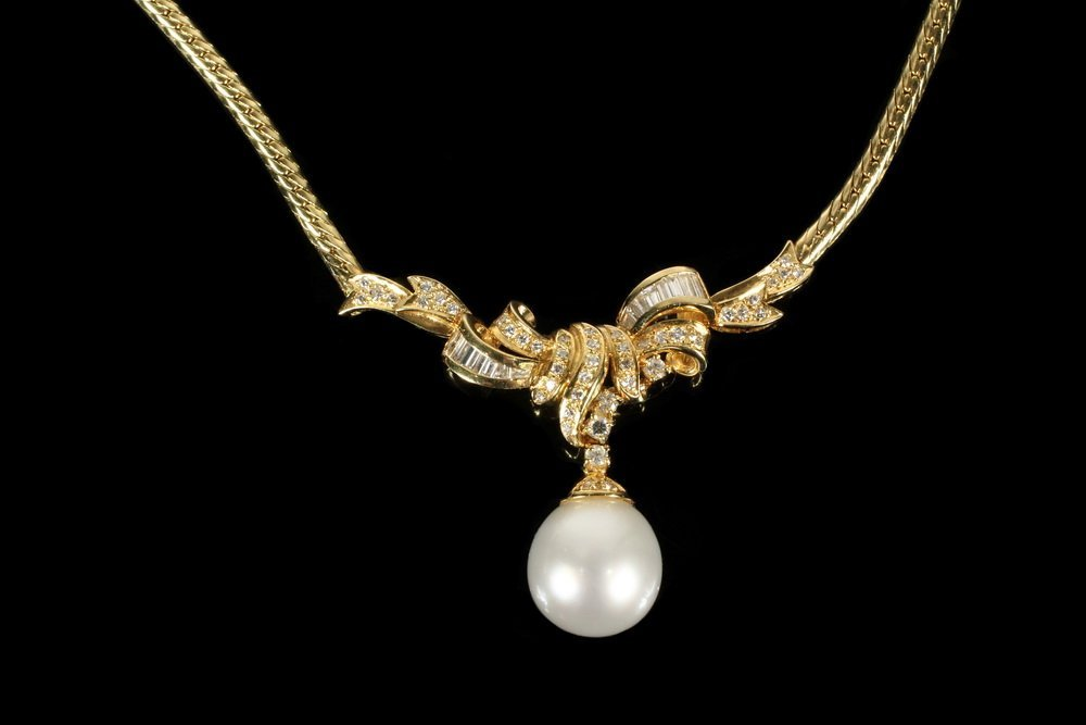 NECKLACE - 18K Yellow Gold South Sea Pearl and Diamond