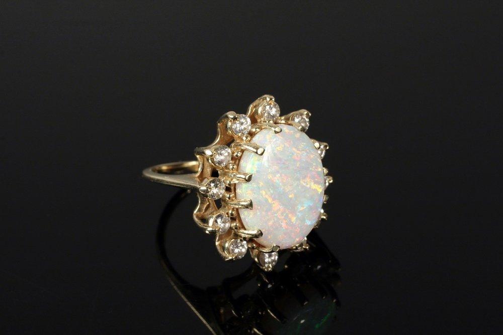 LADY'S RING - Large Oval Australian Fire Opal Ring set