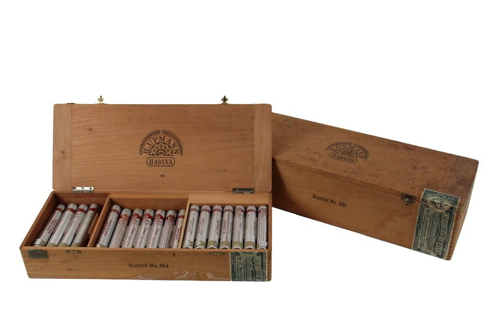 BOX OF PRE-EMBARGO CUBAN CIGARS - H. Upmann Dunhill