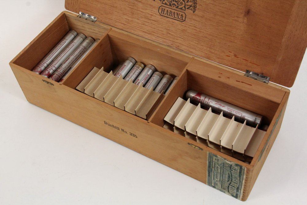 BOX OF PRE-EMBARGO CUBAN CIGARS - H. Upmann Dunhill - 3