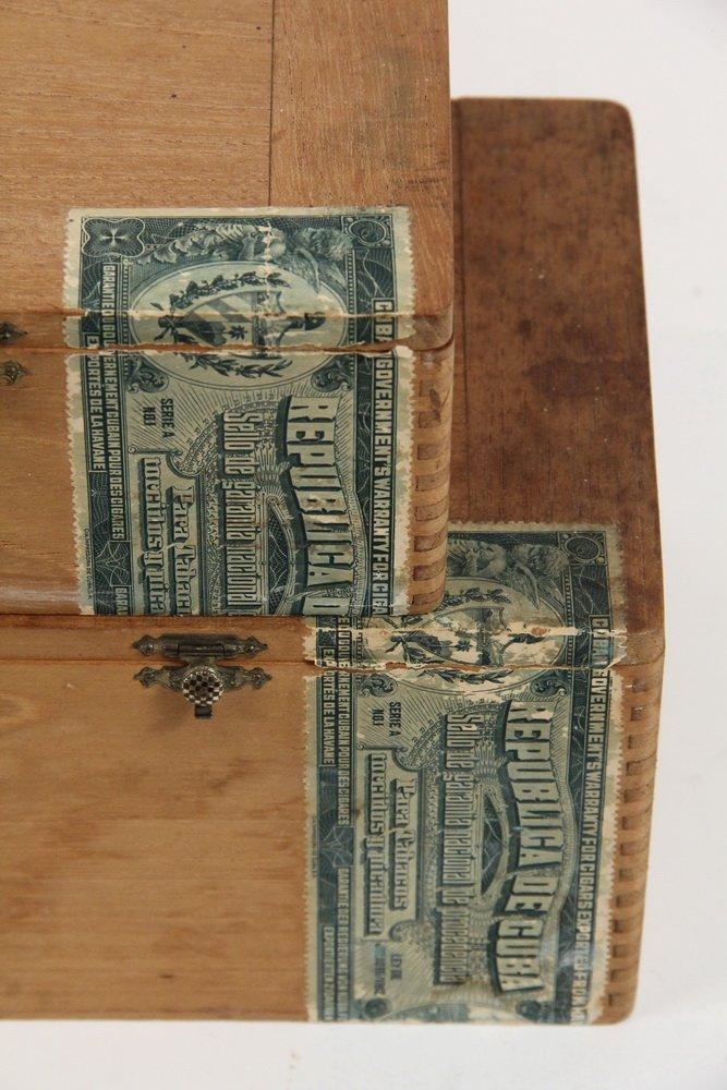BOX OF PRE-EMBARGO CUBAN CIGARS - H. Upmann Dunhill - 4