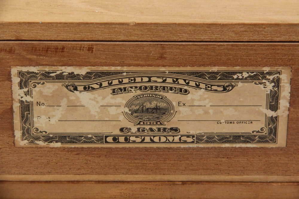 BOX OF PRE-EMBARGO CUBAN CIGARS - H. Upmann Dunhill - 5