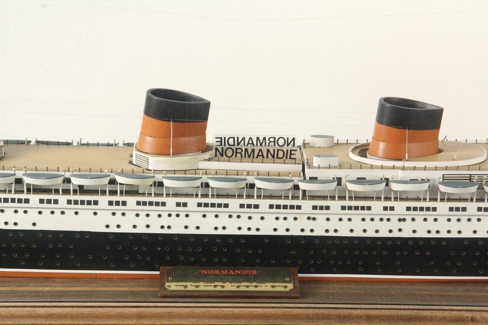 BOARDROOM SHIP MODEL ON STAND - Full Builder's Model of - 3