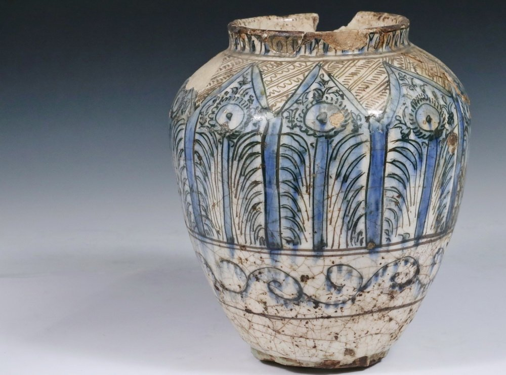 EARLY PERSIAN POTTERY JAR - Seljuk Black, Blue and