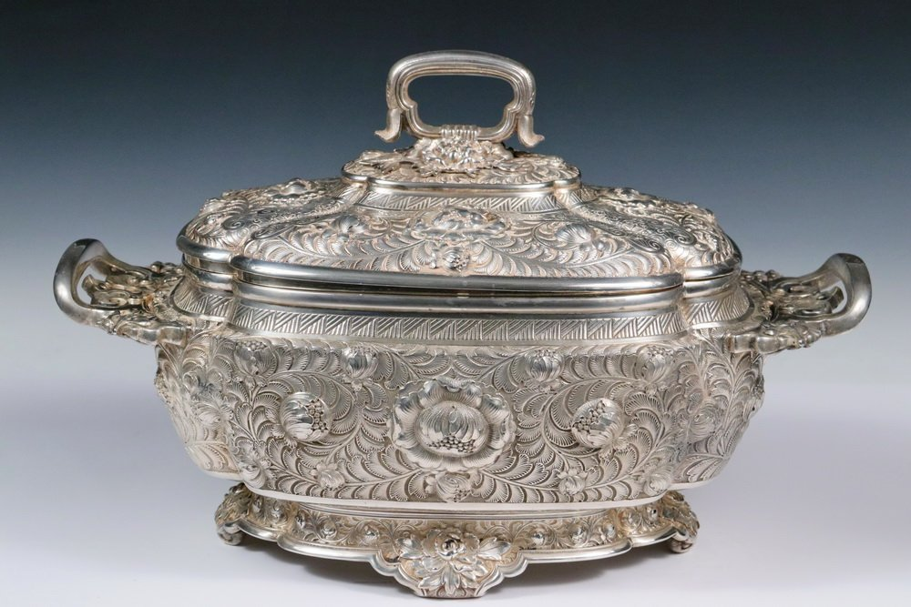 TUREEN - Tiffany & Co. Sterling Silver Large Covered