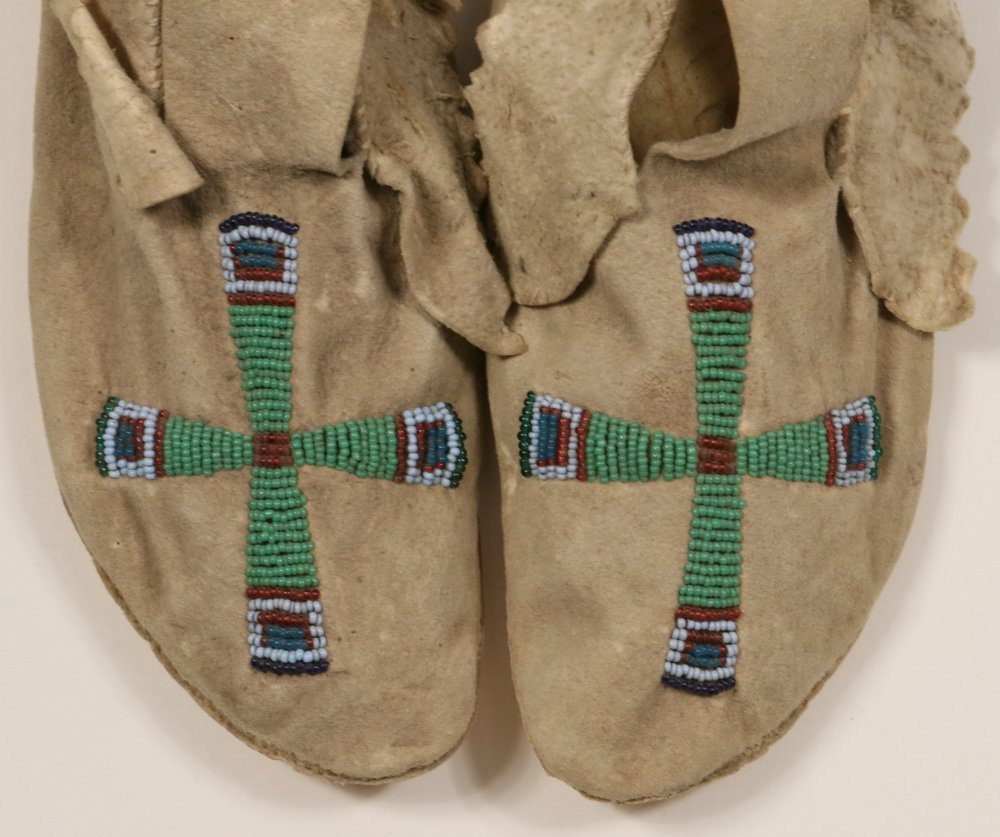 PAIR OF NATIVE AMERICAN MOCCASINS - Plains Indian, - 3