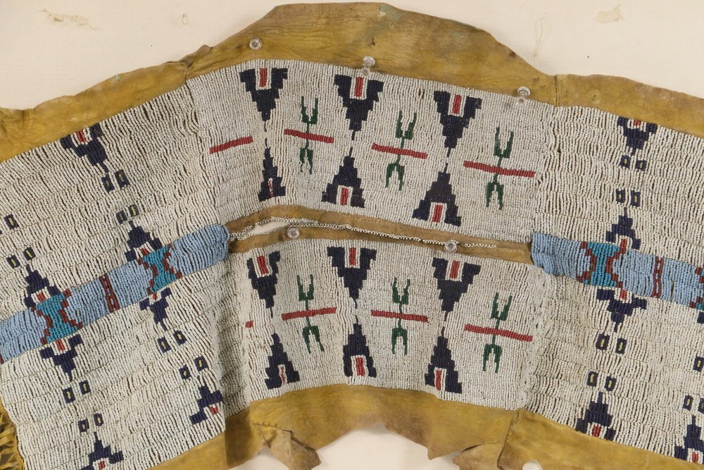 NATIVE AMERICAN BEADWORK - Southern Cheyenne Indian - 4