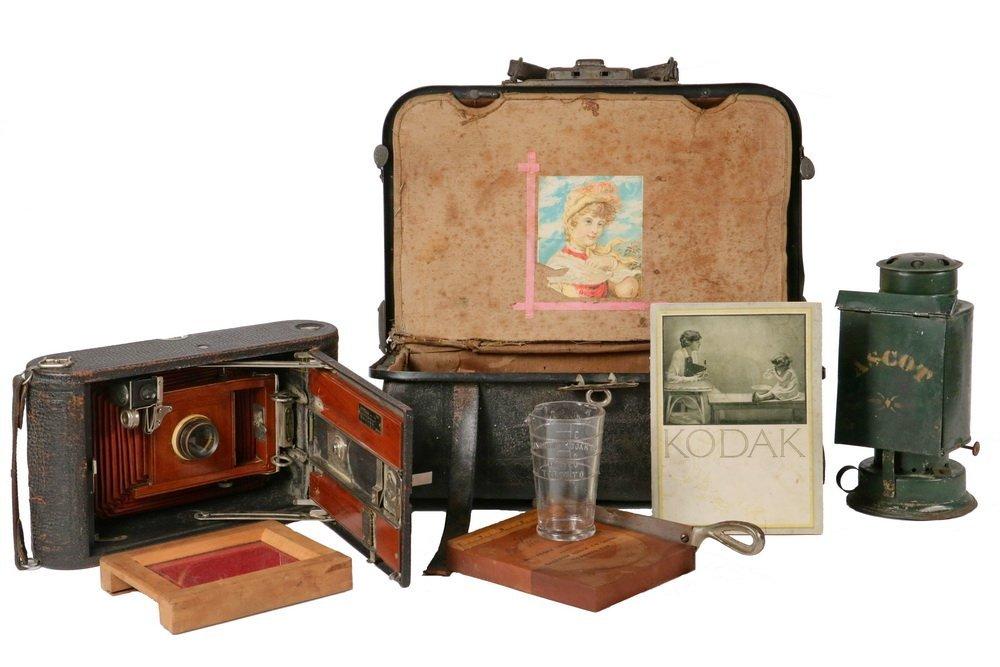 KODAK CAMERA & PORTABLE DARKROOM - Circa 1900 Kit in
