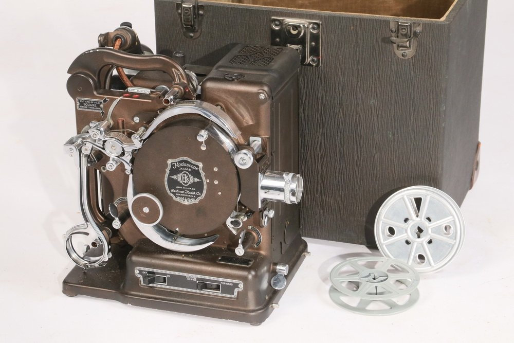 ANTIQUE FILM PROJECTOR - 'Kodascope Model B', by the - 2