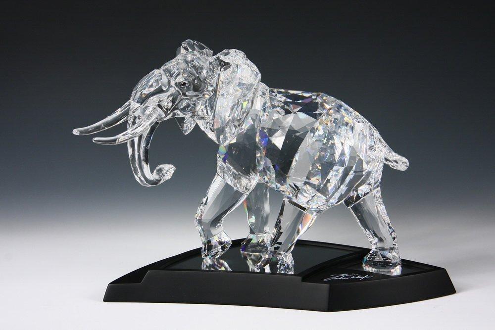 SWAROVSKI CRYSTAL ELEPHANT - 2006 Swarovski Crystal