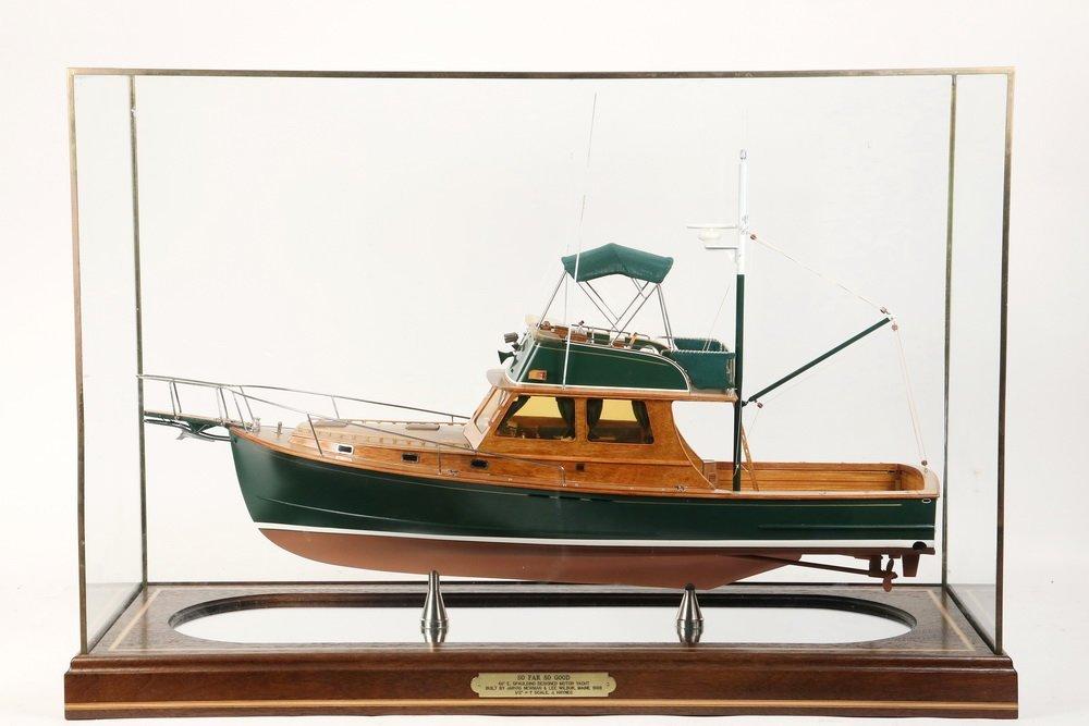 CASED SHIP MODEL - Scale Model of the Motor Yacht 'So