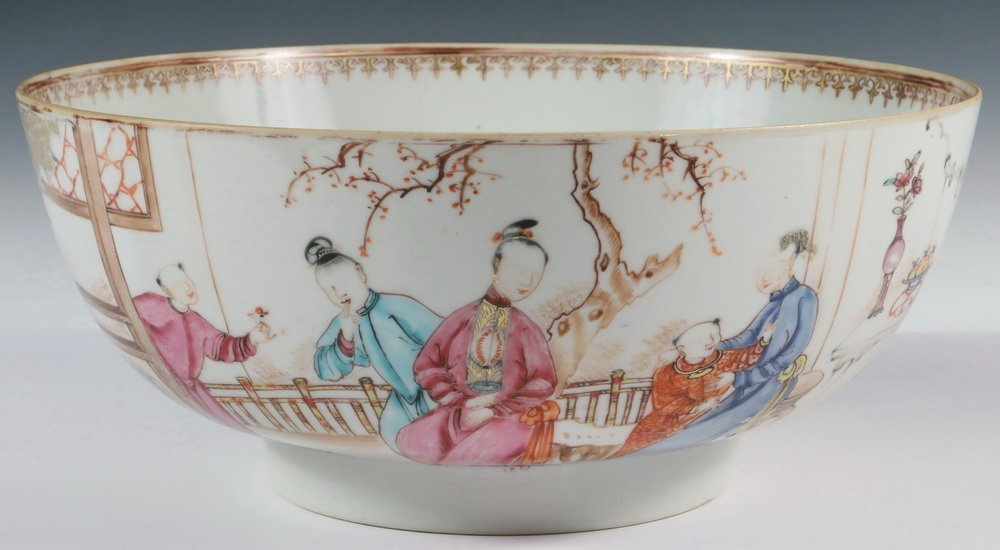 CHINESE EXPORT PUNCH BOWL - 19th c. Famille Rose