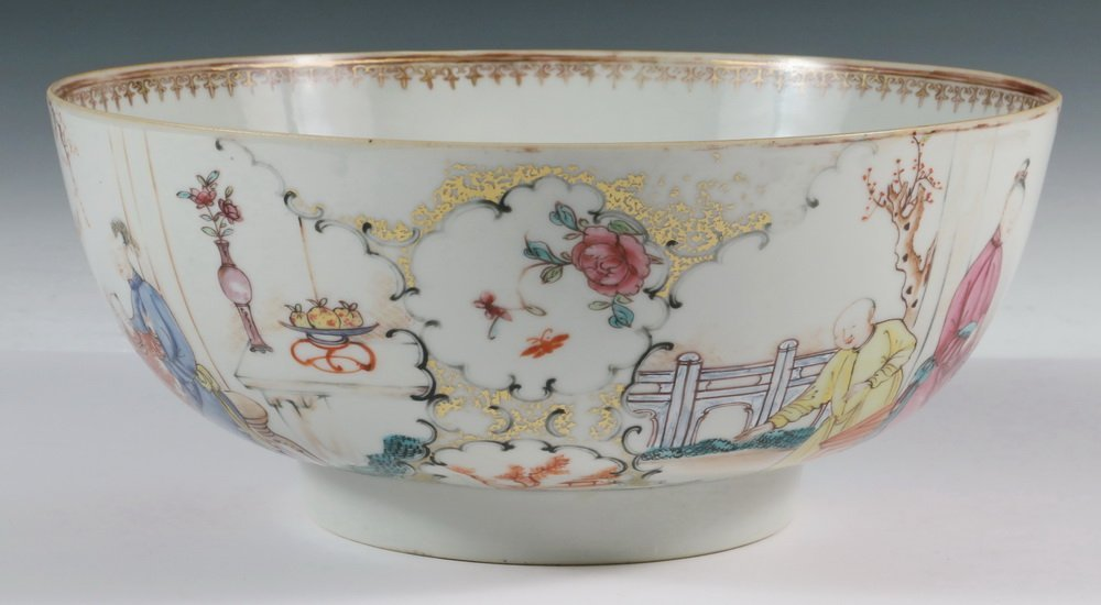 CHINESE EXPORT PUNCH BOWL - 19th c. Famille Rose - 2