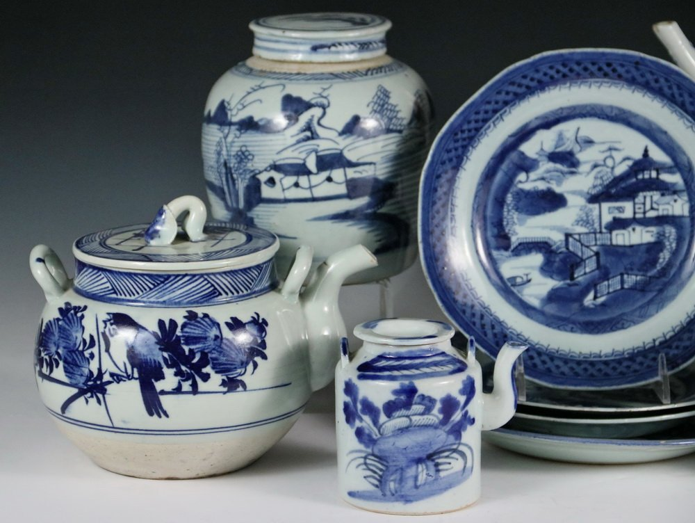 (9 PCS) CHINESE EXPORT PORCELAIN - All 19th c. Canton, - 2