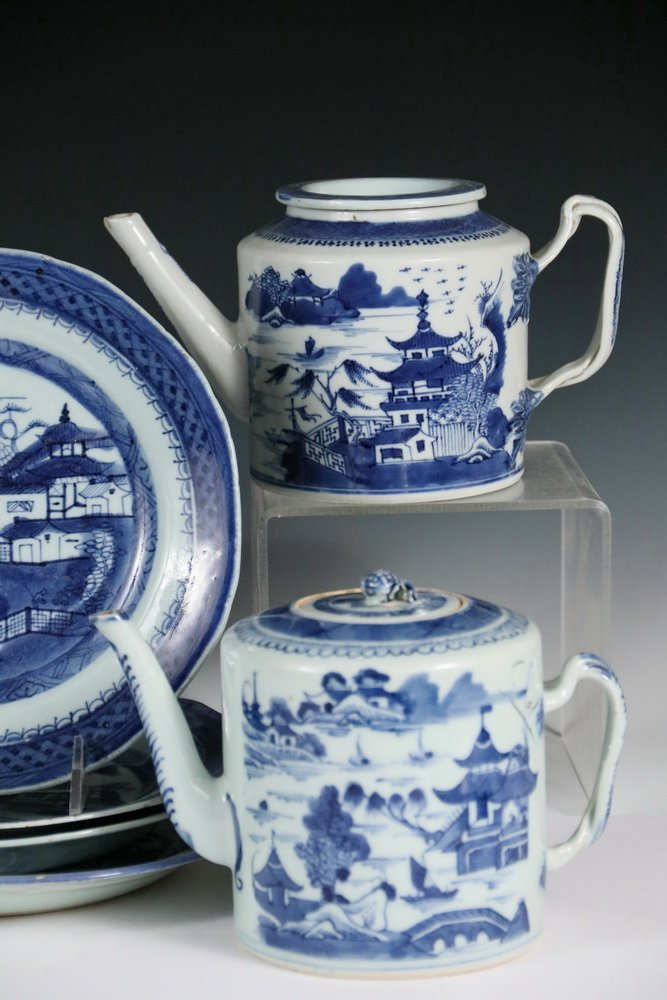 (9 PCS) CHINESE EXPORT PORCELAIN - All 19th c. Canton, - 3