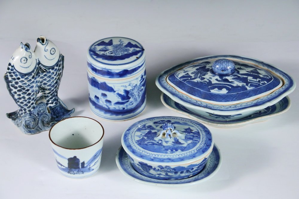 CHINESE BLUE & WHITE - Collection of (5) Pcs of 19th c. - 2