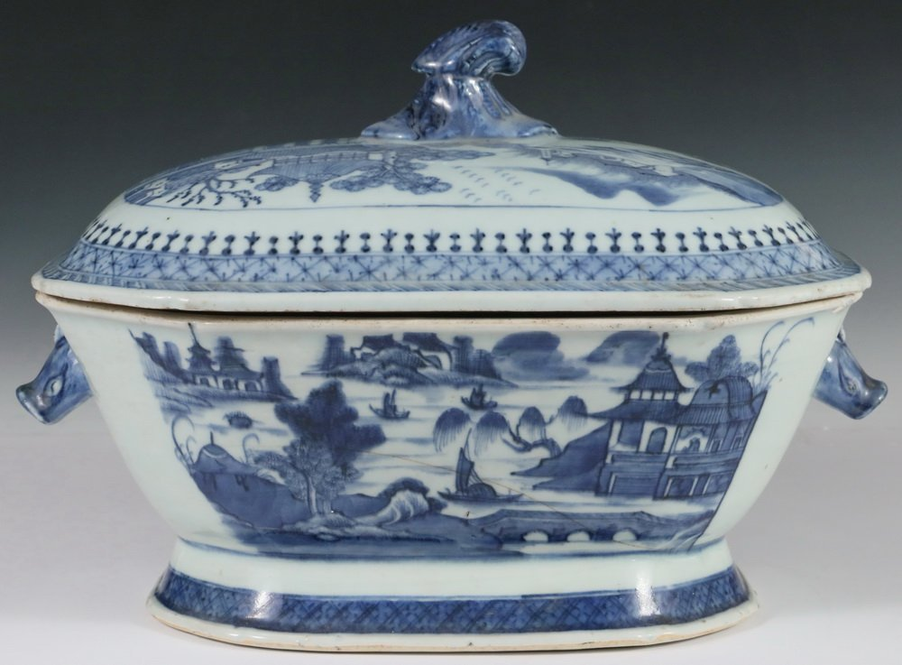 CHINESE EXPORT COVERED DISH - Canton Blue & White - 3