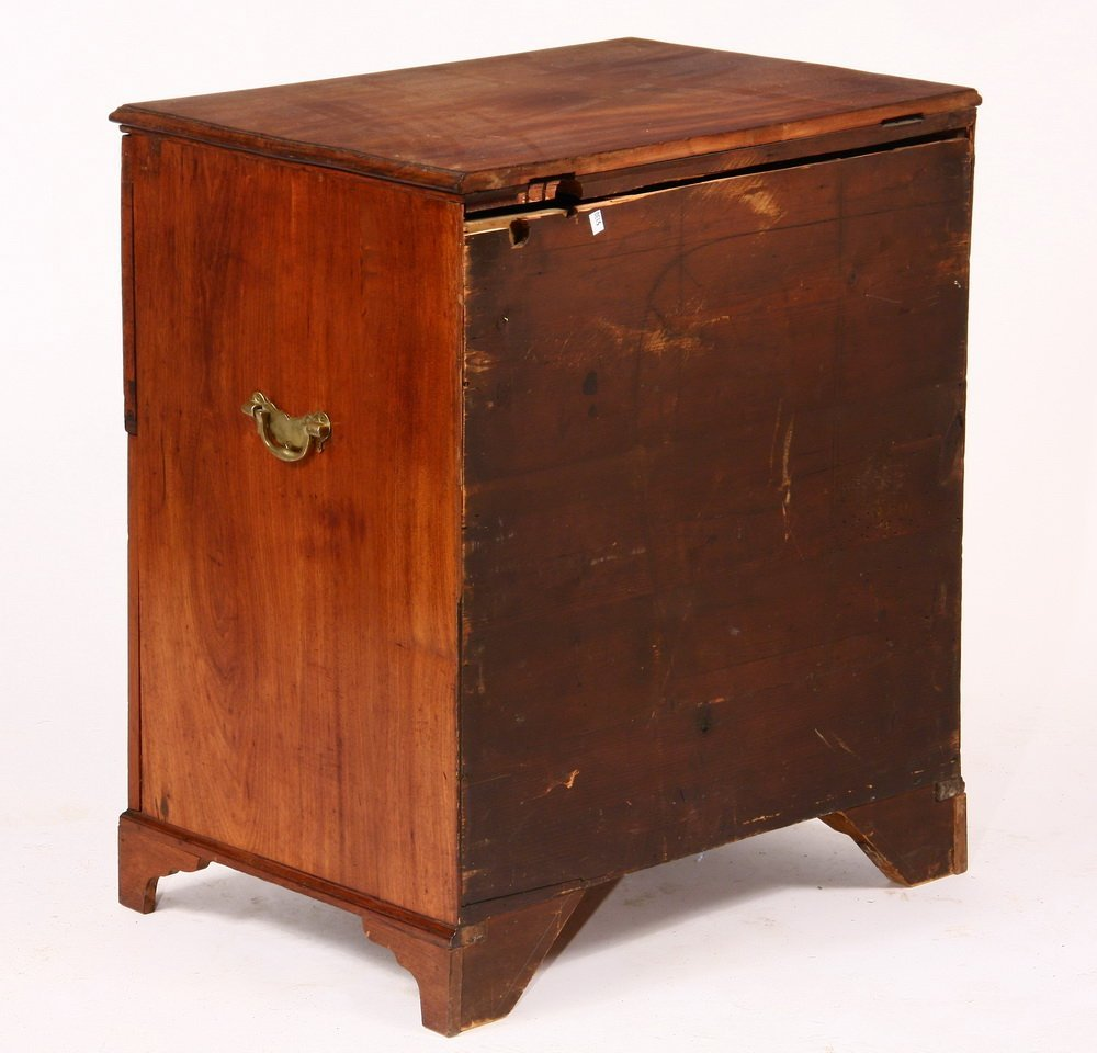 CHIPPENDALE BACHELOR CHEST - Small Dresser in figured - 4