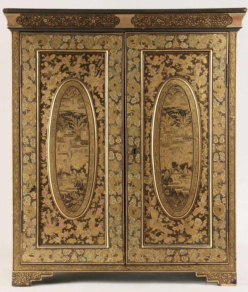 CHINESE MINIATURE COLLECTOR'S CABINET - A diminutive - 2