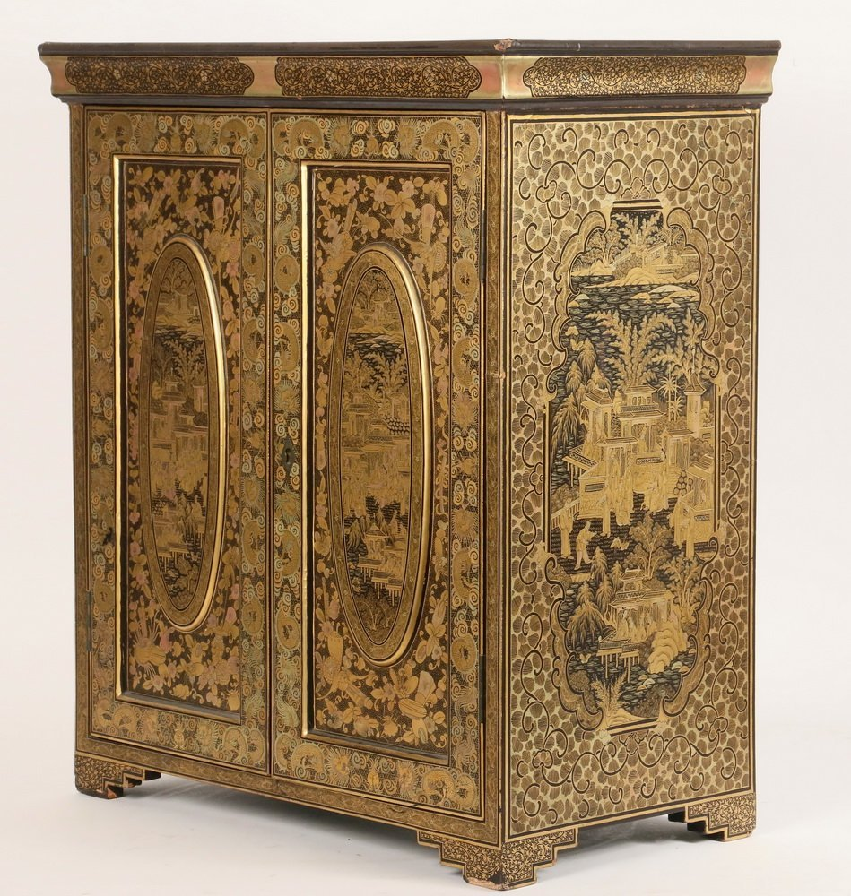 CHINESE MINIATURE COLLECTOR'S CABINET - A diminutive - 4