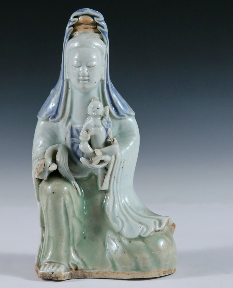 PORCELAIN FIGURE - Early 19th c. Chinese Porcelain