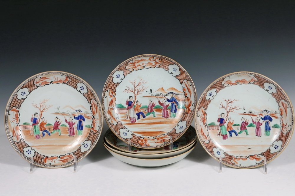 (6) CHINESE EXPORT PLATES - Late 18th c. Famille Rose,