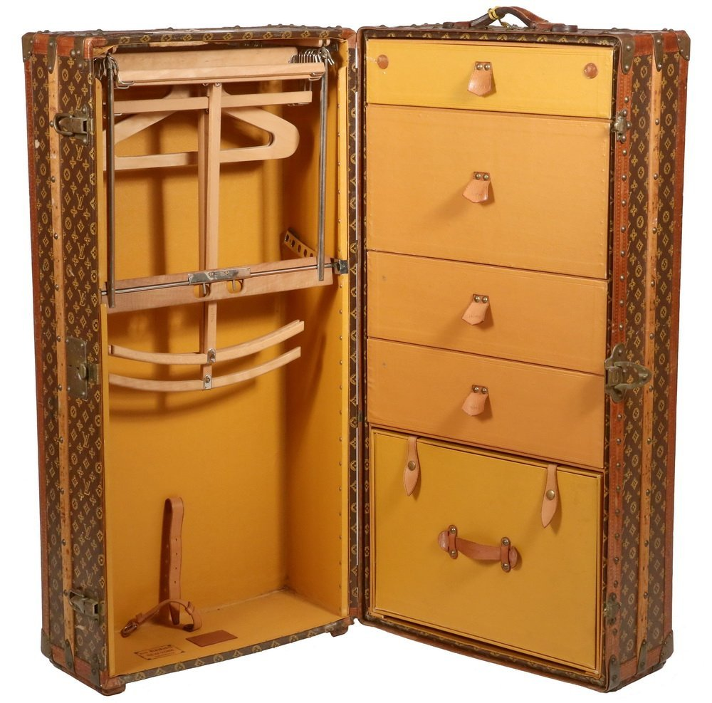 1920s LOUIS VUITTON STEAMER TRUNK - The iconic Louis