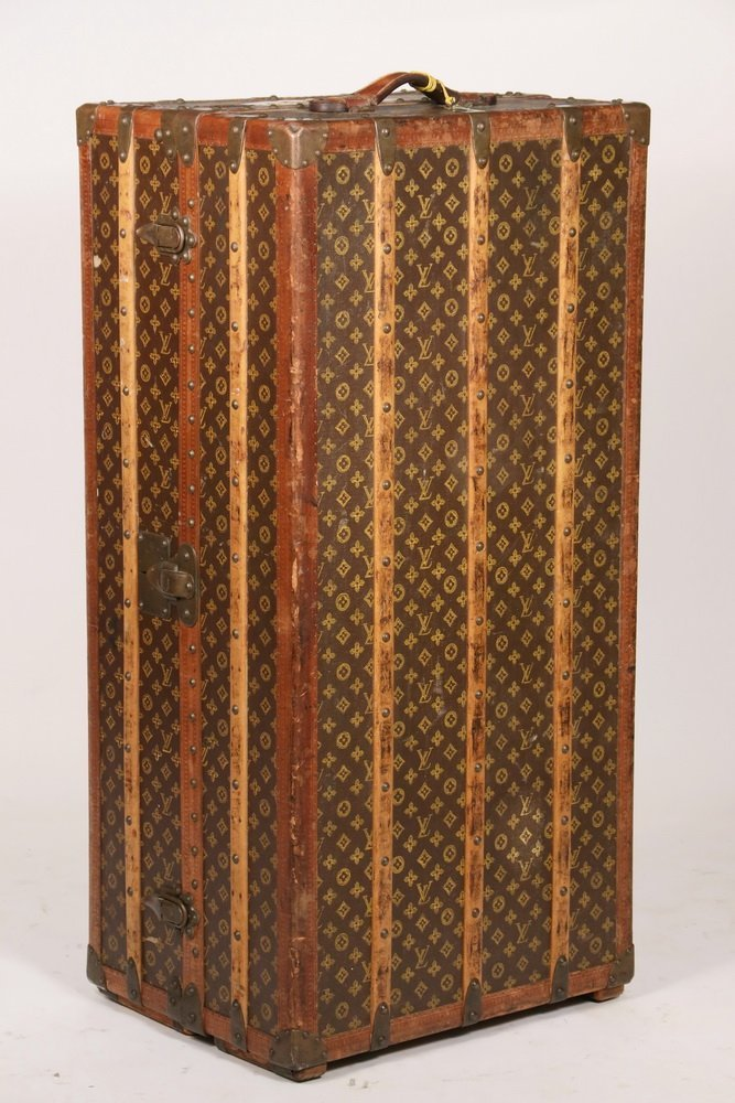 1920s LOUIS VUITTON STEAMER TRUNK - The iconic Louis - 4