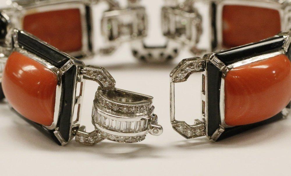 BRACELET - 18K White Gold, Coral, Onyx and Diamond Link - 4
