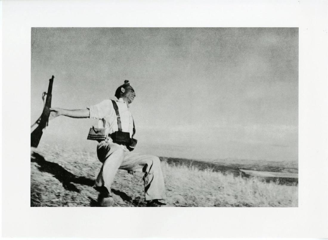 161: ROBERT CAPA - Death of a Loyalist Soldier