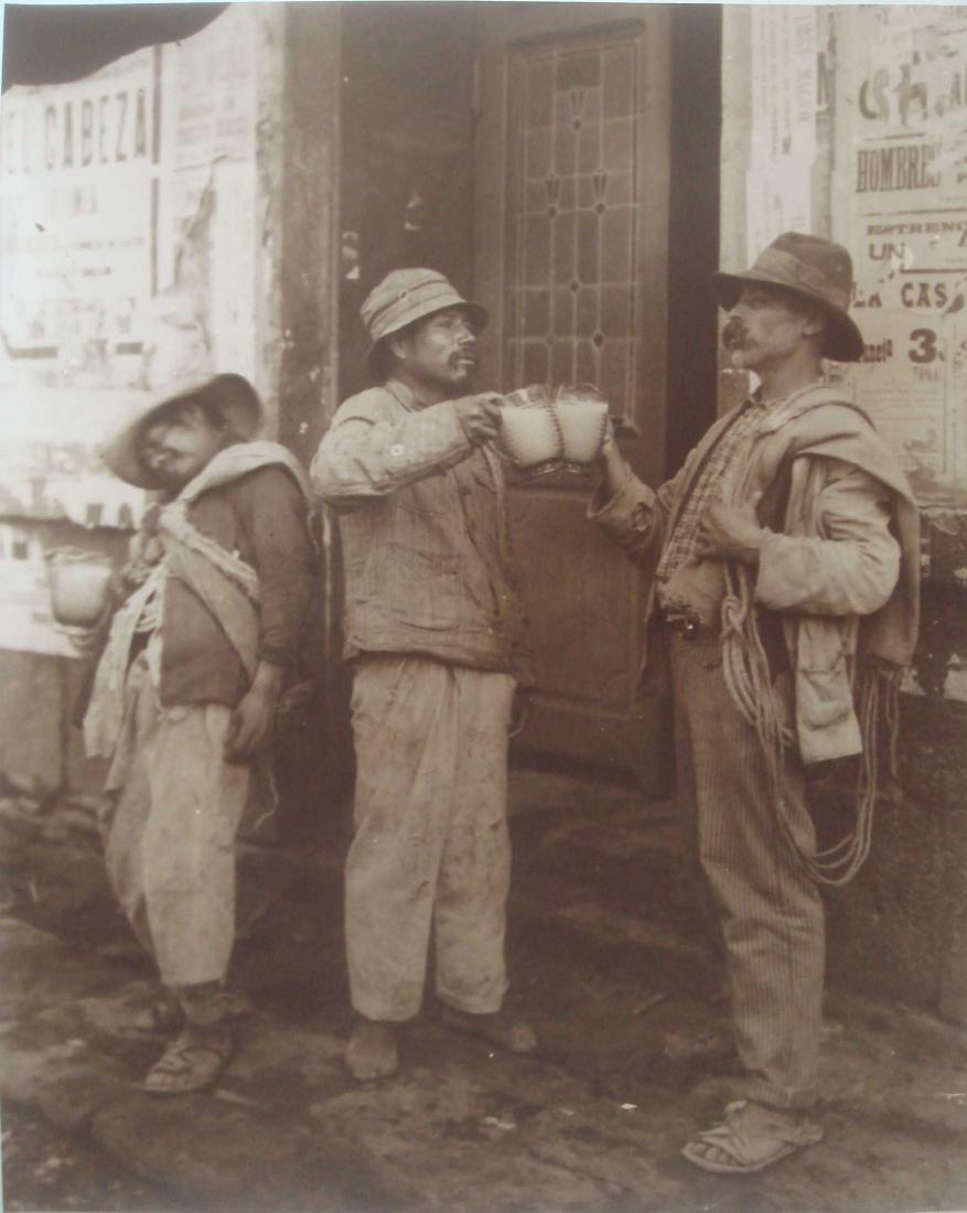 274: ISMAEL CASASOLA - Mecapaleros Tomando Pulque