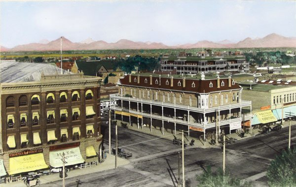 12: AMERICAN SCHOOL, 19TH/20TH CENTURY Hand-colored sil