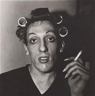DIANE ARBUS - Young Man in Curlers at Home on West 20th