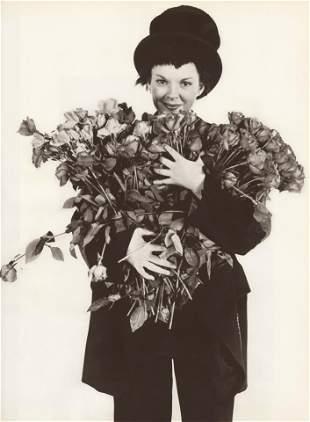 RICHARD AVEDON - Judy Garland with Roses - Original
