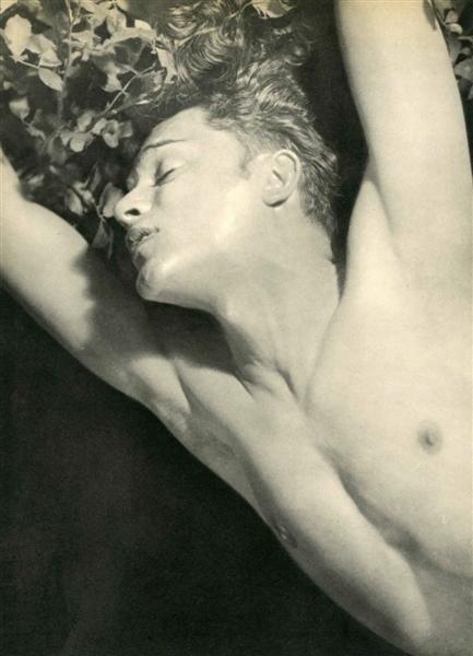 15: LAURE ALBIN-GUILLOT (French) Original vintage photo