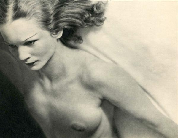 19: LAURE ALBIN-GUILLOT (French) Original vintage photo
