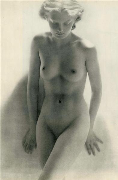 22: LAURE ALBIN-GUILLOT (French) Original vintage photo