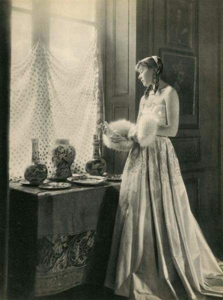 15: LAURE ALBIN-GUILLOT - Original vintage photogravure
