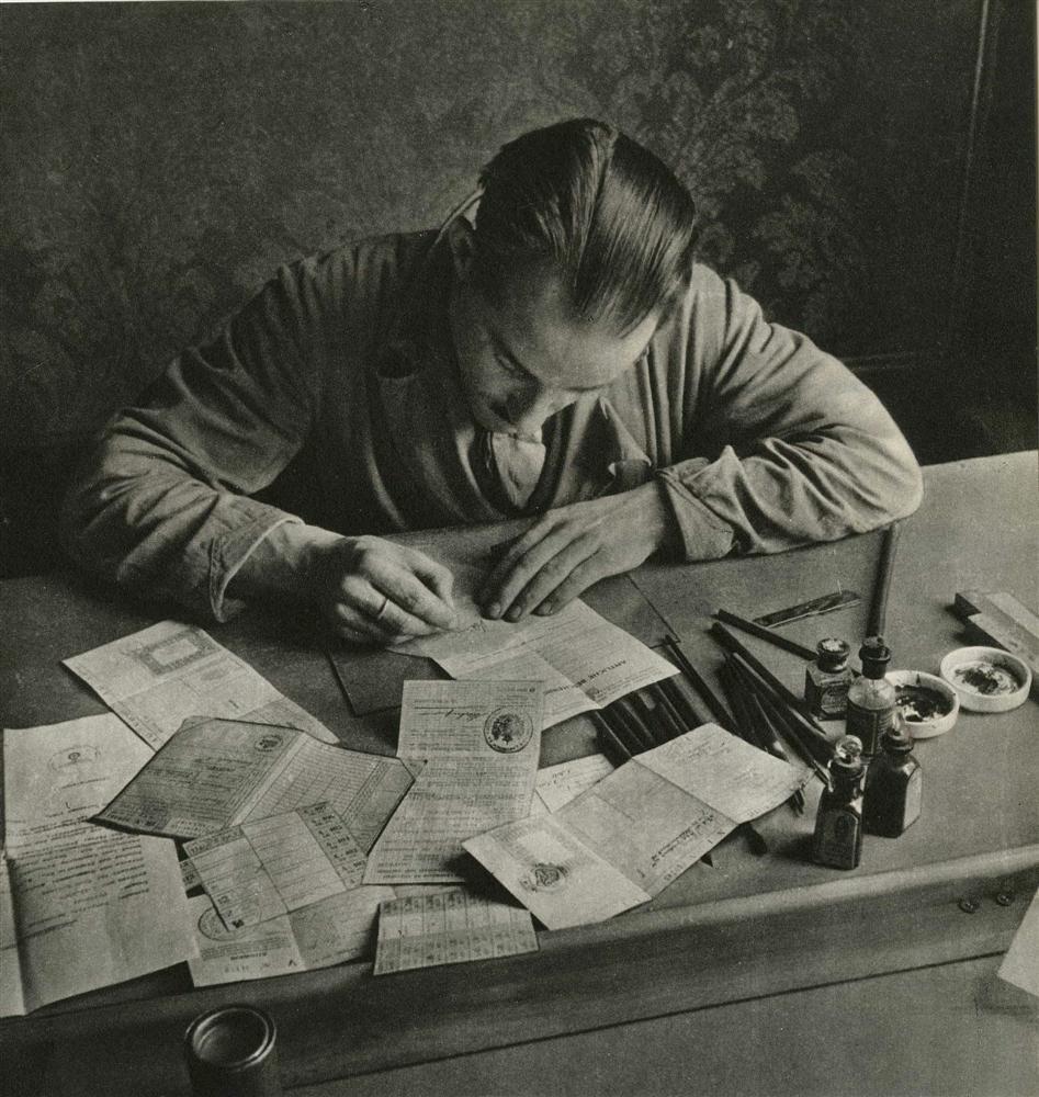 1066: CAS OORTHYS - Original vintage photogravure