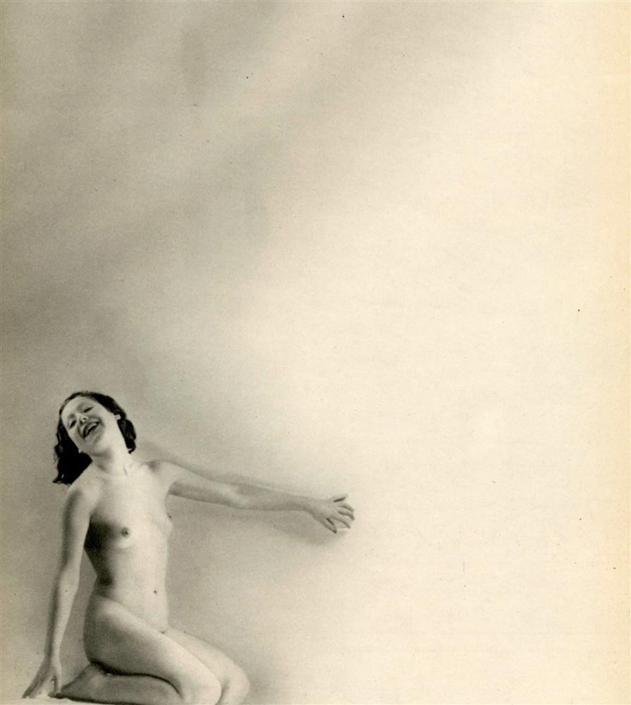 17: LAURE ALBIN-GUILLOT - Original vintage photogravure