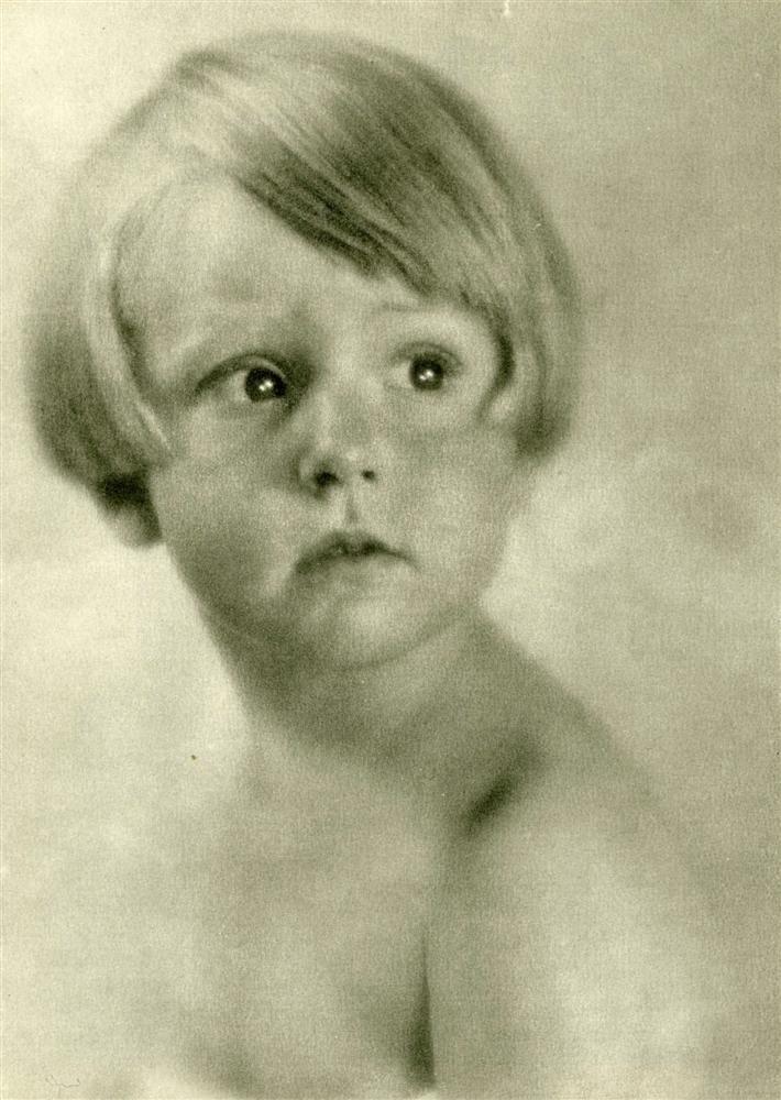 21: LAURE ALBIN-GUILLOT - Original vintage photogravure
