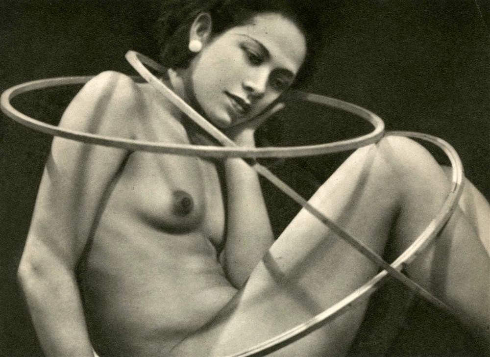 1036: MAN RAY - Original vintage photogravure
