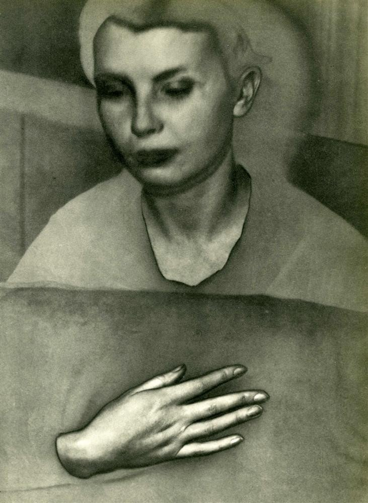 1052: MAN RAY - Original vintage photogravure