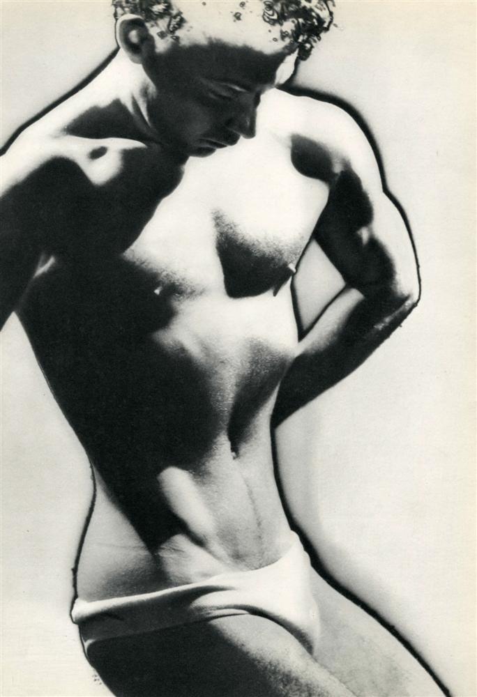 1082: MAN RAY - Original vintage photogravure