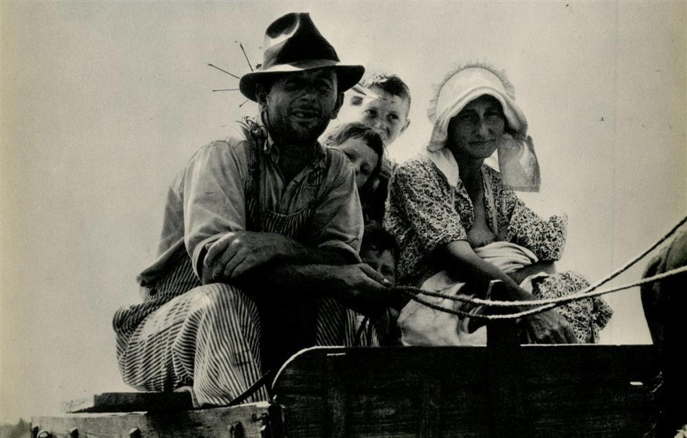 1017: DOROTHEA LANGE - Original vintage photogravure
